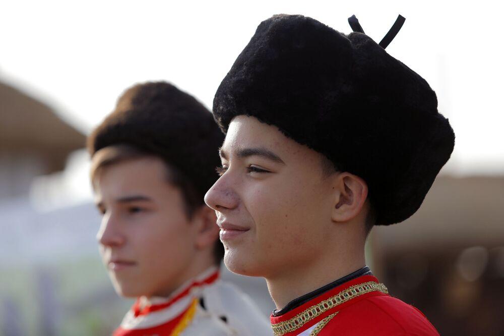 I partecipanti all'evento dedicato all'inaugurazione del complesso storico-culturale Slobozhanshchina nella regione di Belgorod, Russia.