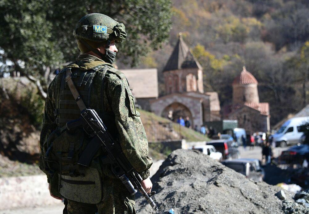 Le forze di pace russe inviate nel Nagorno-Karabakh
