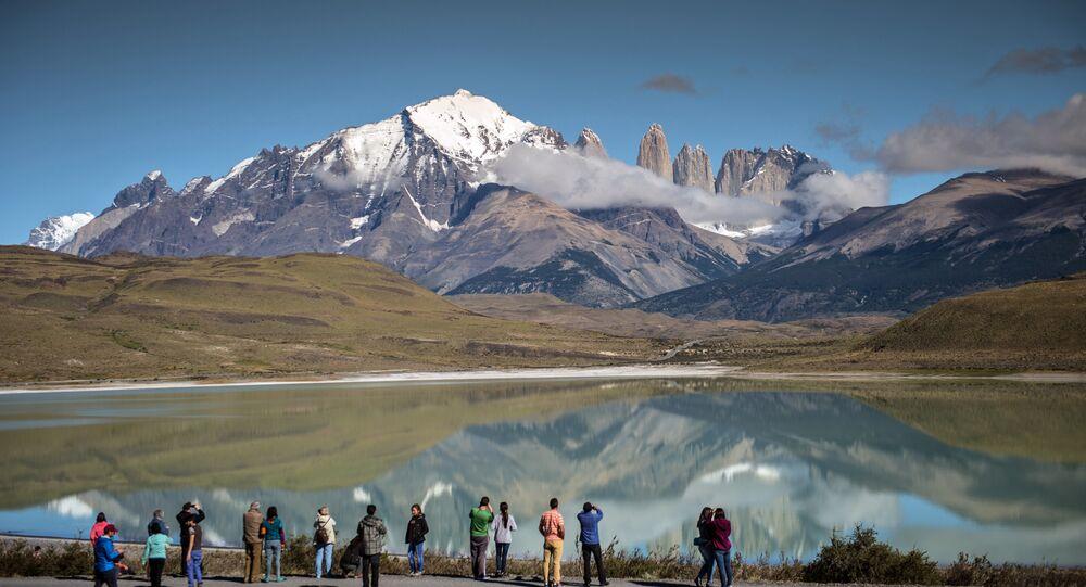Turisti nel Parco nazionale Torres del Paine, Cile