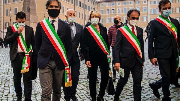 Sindaci calabresi a Roma contro commissariamento - Sputnik Italia