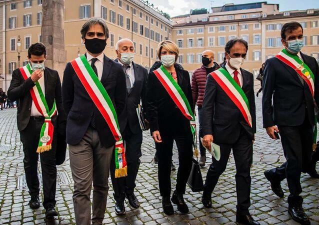 Sindaci calabresi a Roma contro commissariamento