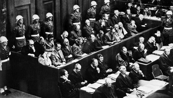 Ex leader della Germania nazista al banco del processo di Norimberga - Sputnik Italia