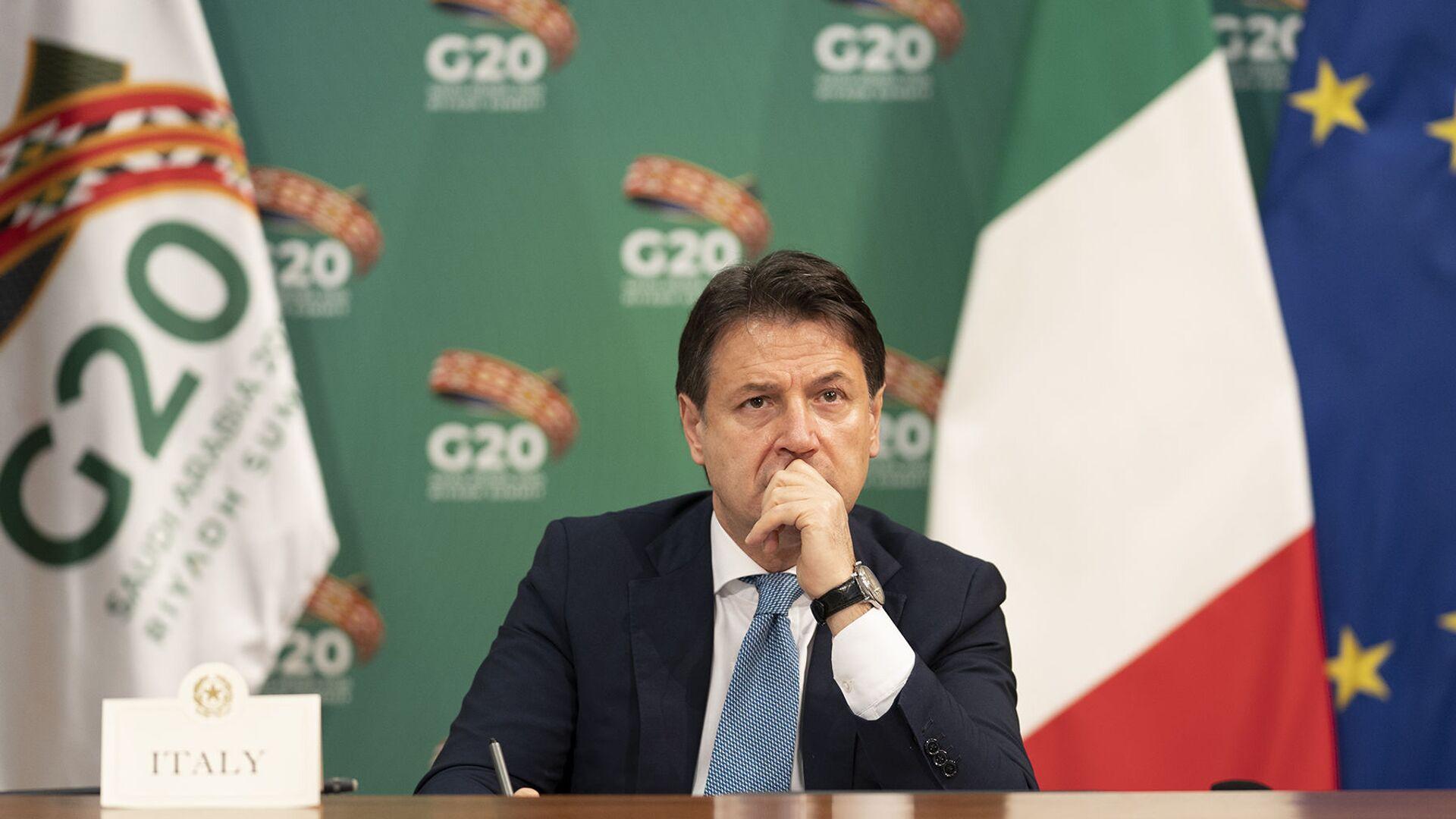 Il Presidente del Consiglio, Giuseppe Conte, partecipa alla sessione dei lavori della prima giornata. G20 - Sputnik Italia, 1920, 15.05.2021