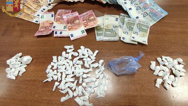 droga e denaro sequestrati dalla polizia di stato a Roma - Sputnik Italia