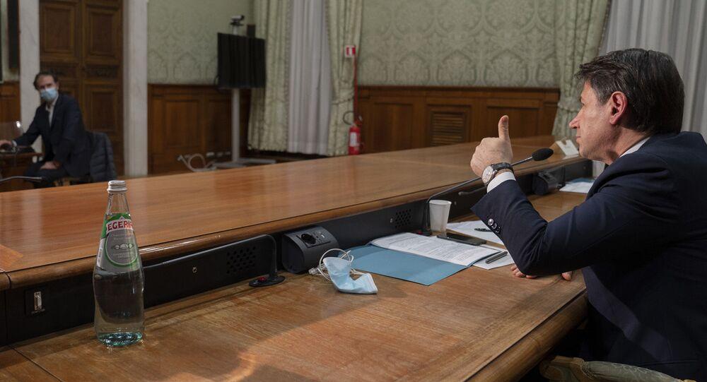 Il premier Conte in videoconferenza