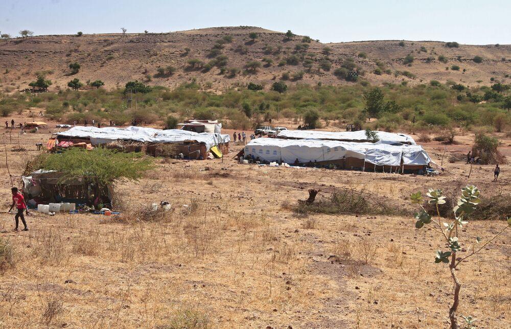 Campo di Um Raquba per rifugiati etiopi in fuga dai combattimenti nella regione del Tigrè