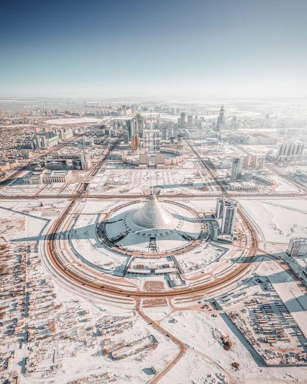 Lo scatto Inverno nella città di Nur-Sultan del fotografo russo Andrei Pugach, finalista del premio Agora # BestPhotoOf2020 - Sputnik Italia