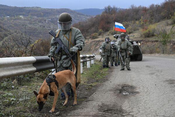 Gli specialisti del Centro di sminamento internazionale delle forze armate russe hanno iniziato le operazioni di sminamento in Nagorno-Karabakh - Sputnik Italia