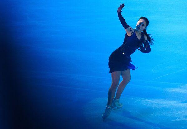 Alina Zagitova alle esibizioni dimostrative del Gran Premio di Pattinaggio di Figura a Mosca - Sputnik Italia