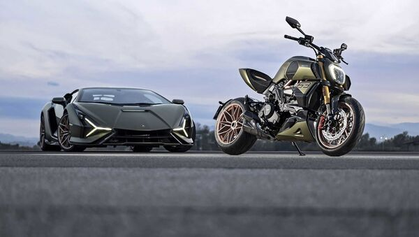 Moto Ducati Diavel 1260 Lamborghini - Sputnik Italia