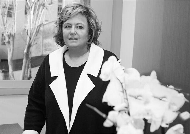 Elena Salvaneschi, Segretario Generale dell'AIP