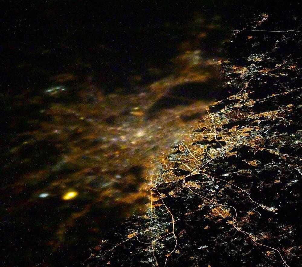 Una foto di Mosca fatta dalla Stazione Spaziale Internazionale.