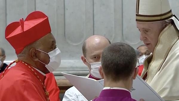 Papa Francesco nomina il primo cardinale afroamericano nella storia cattolica  - Sputnik Italia