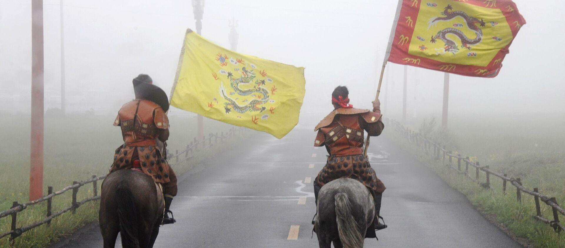 Cavalieri mongoli in Cina - Sputnik Italia, 1920, 30.11.2020