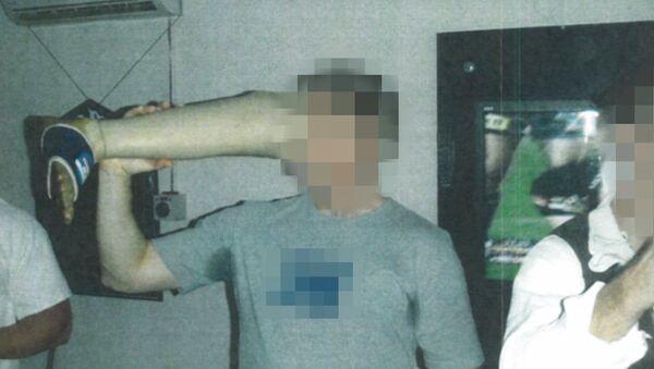 Soldato australiano beve da protesi in Afghanistan - Sputnik Italia