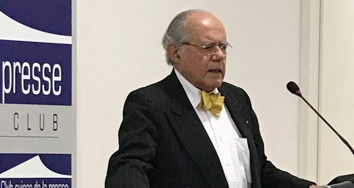 Prof. Marcello Ferrada de Noli interviene al Swiss Press Club, nel Novembre del 2017.