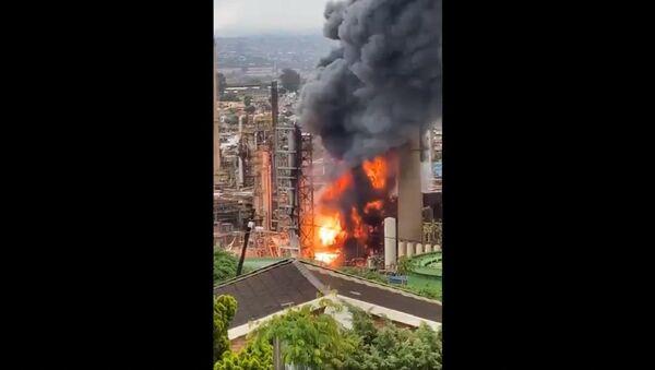 Explosion Rocks Engen Refinery in Durban - Sputnik Italia