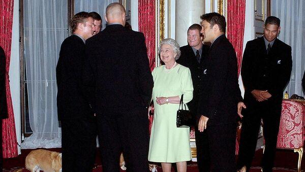 Regina Elisabetta e i suoi cani corgi - Sputnik Italia