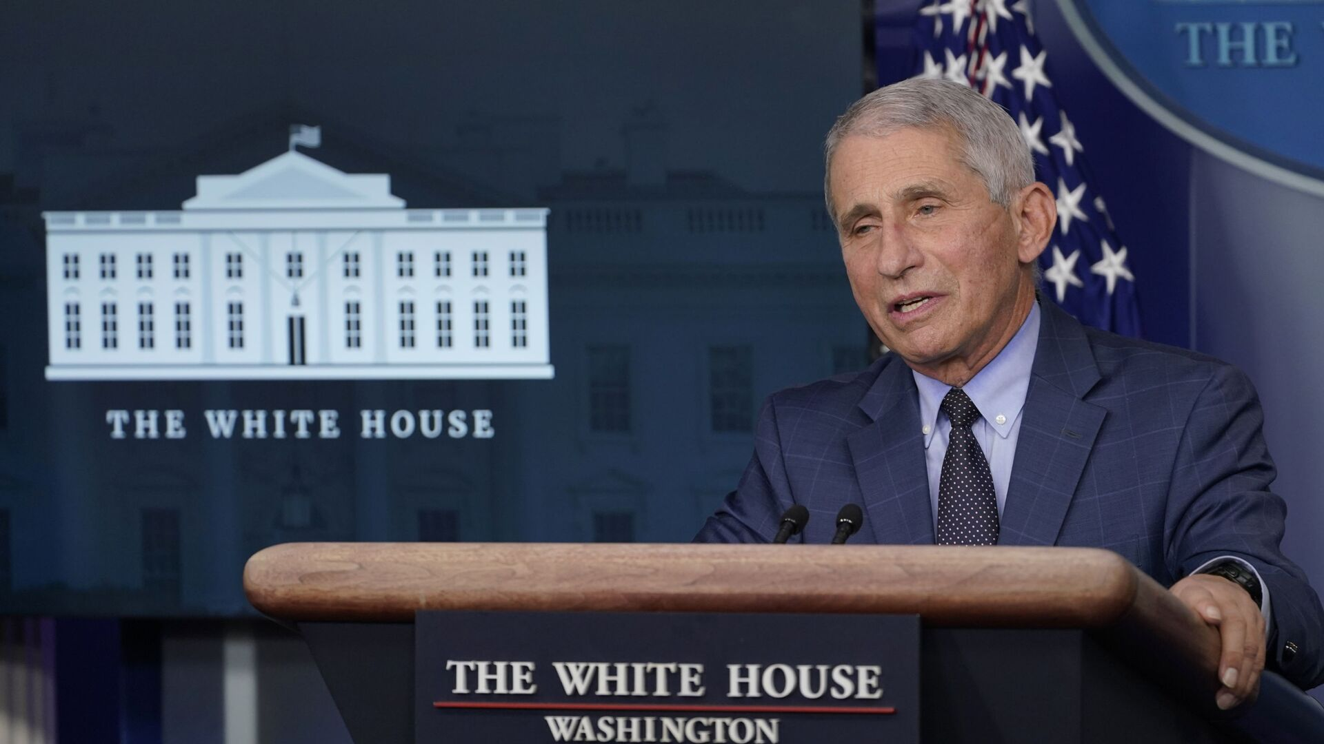 Dr. Anthony Fauci, director of the National Institute of Allergy and Infectious Diseases, speaks during a briefing with the coronavirus task force at the White House in Washington, Thursday, Nov. 19, 2020 - Sputnik Italia, 1920, 31.03.2021