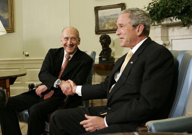 Ex premier israeliano Ehud Olmert alla Casa Bianca con l'allora presidente George W. Bush
