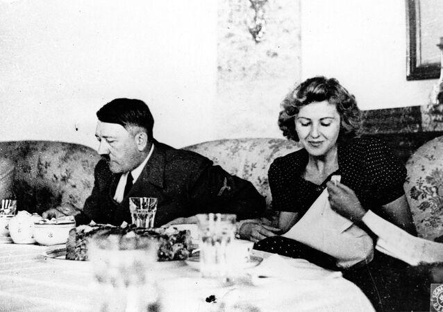 Pranzo di Adolf Hitler e della sua amante Eva Braun