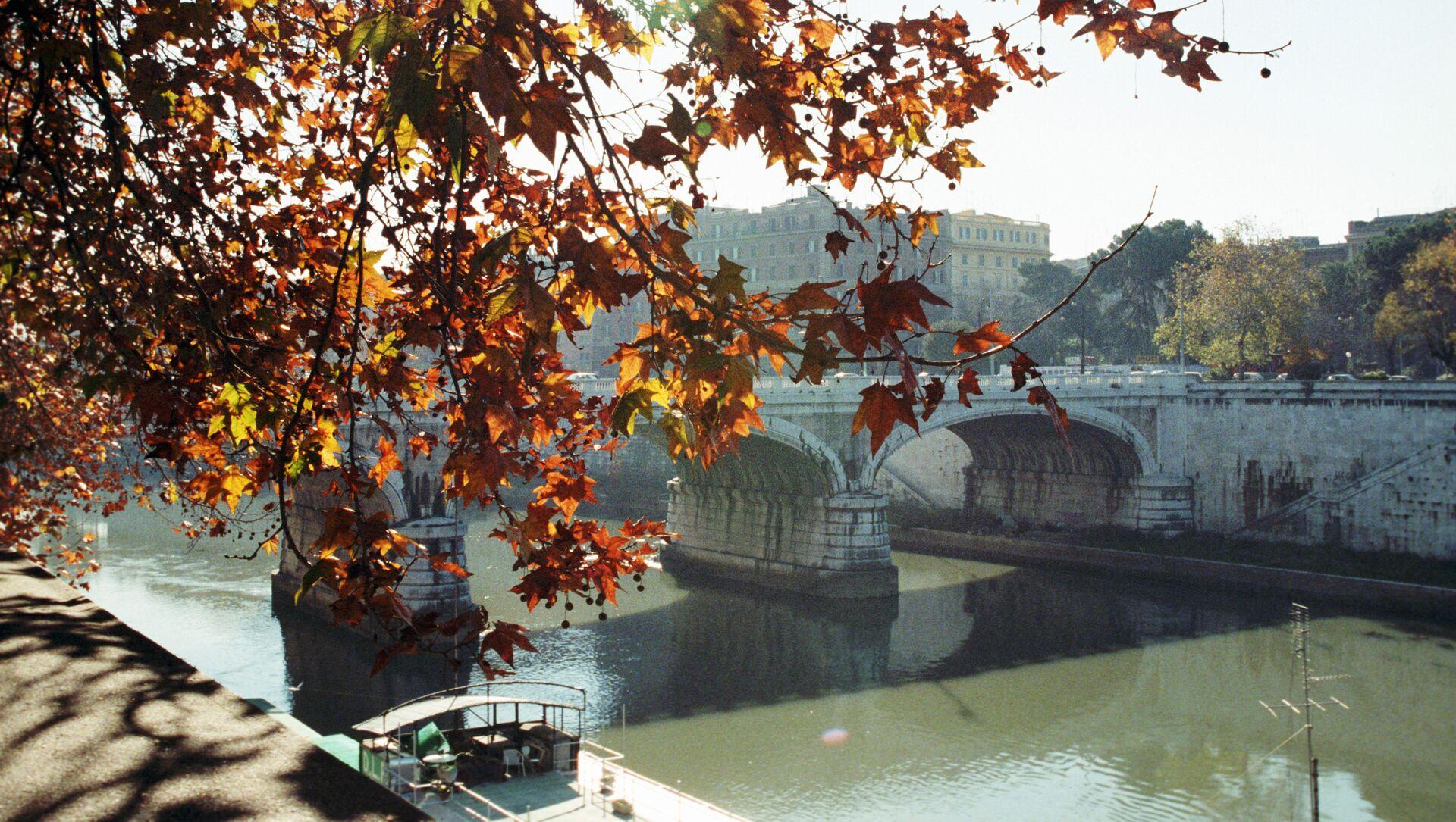 Il fiume Tevere, Roma - Sputnik Italia, 1920, 07.02.2021