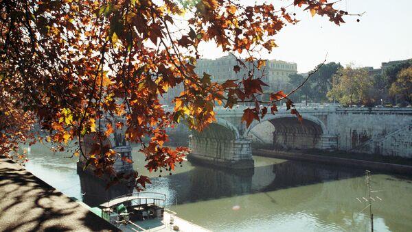 Il fiume Tevere, Roma - Sputnik Italia