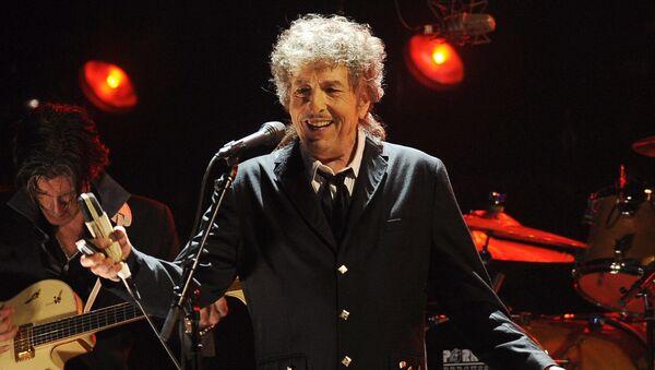 Американский автор-исполнитель, художник, писатель и киноактер Боб Дилан - Sputnik Italia