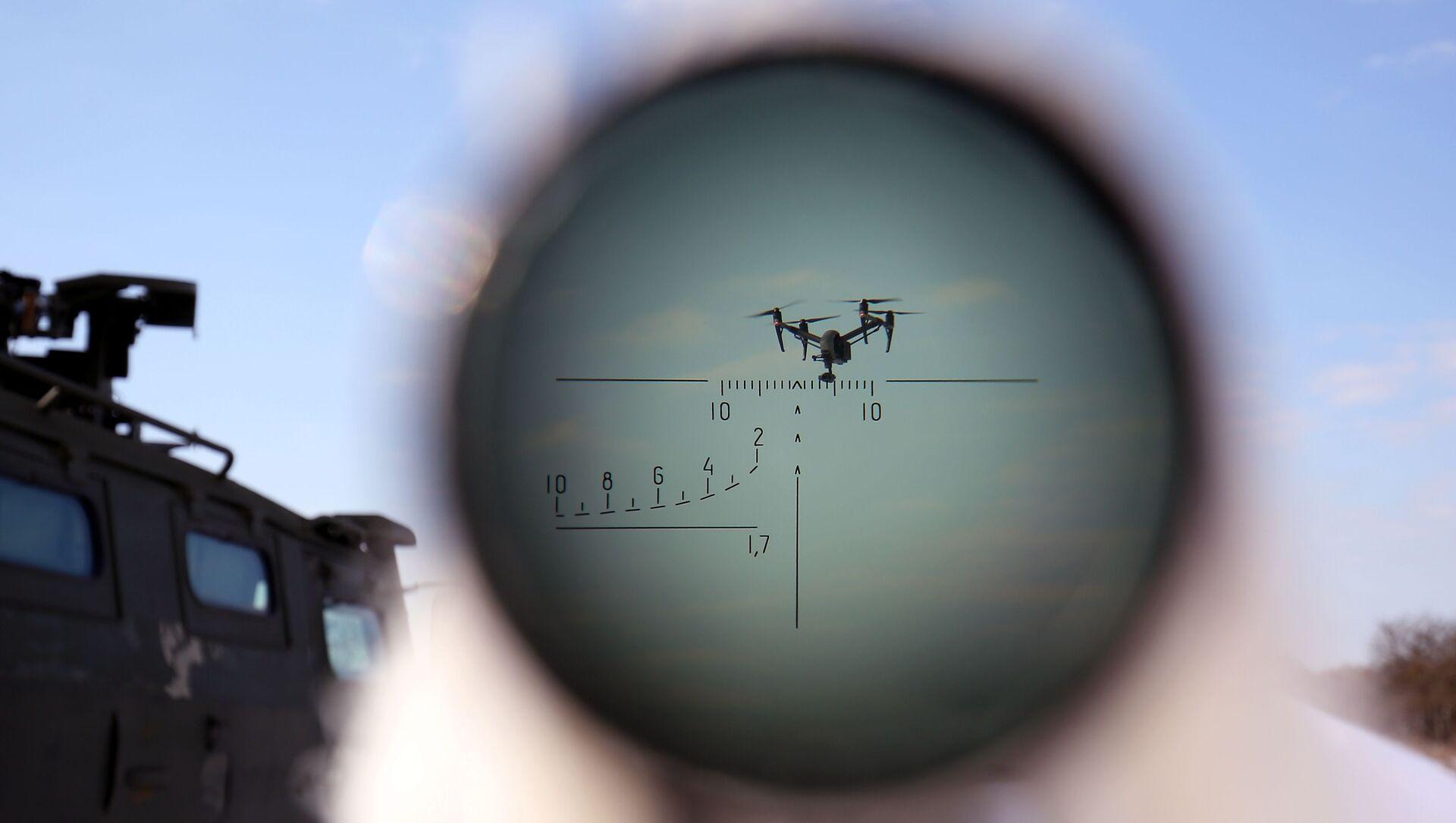 Un drone nell'obiettivo - Sputnik Italia, 1920, 03.03.2021