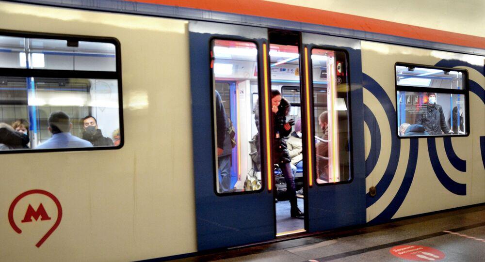 Coronavirus in Russia - Metro di Mosca, dicembre 2020