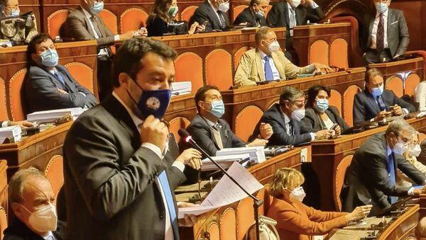 Salvini in parlamento - Sputnik Italia