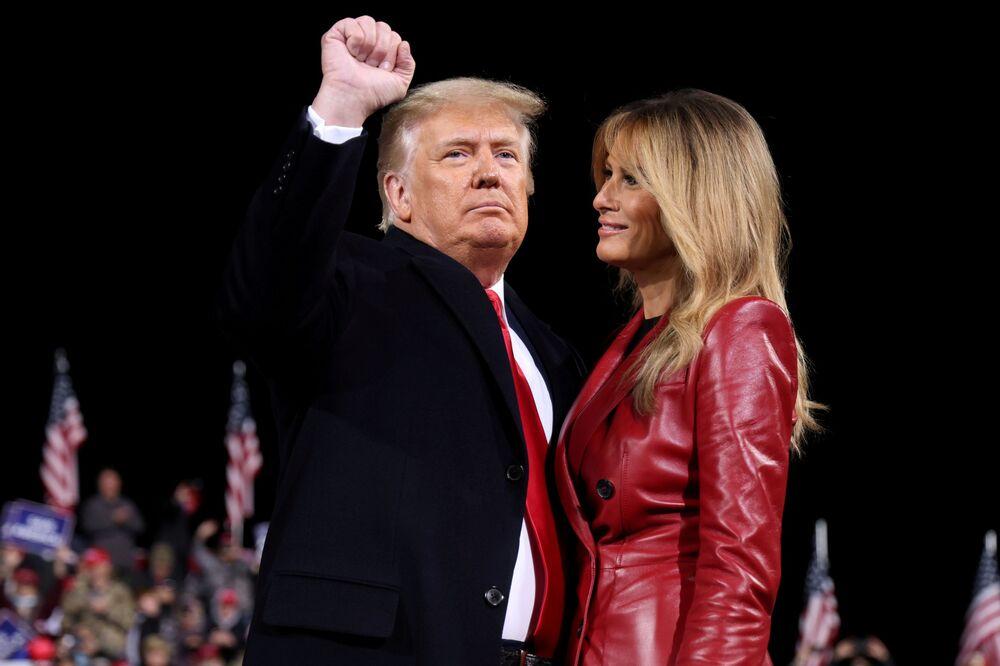 Il presidente Donald Trump con la first lady Melania Trump a Valdosta, Georgia, Stati Uniti, il 5 dicembre 2020