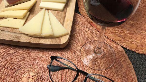 Formaggio e vino - Sputnik Italia