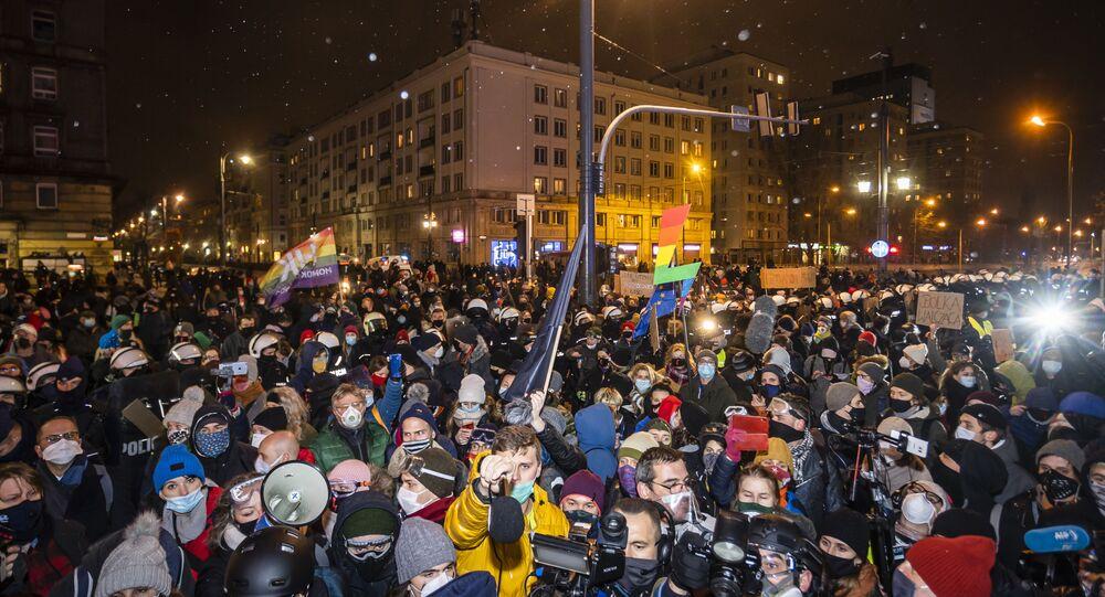 Manifestazione in difesa del diritto all'aborto a Varsavia