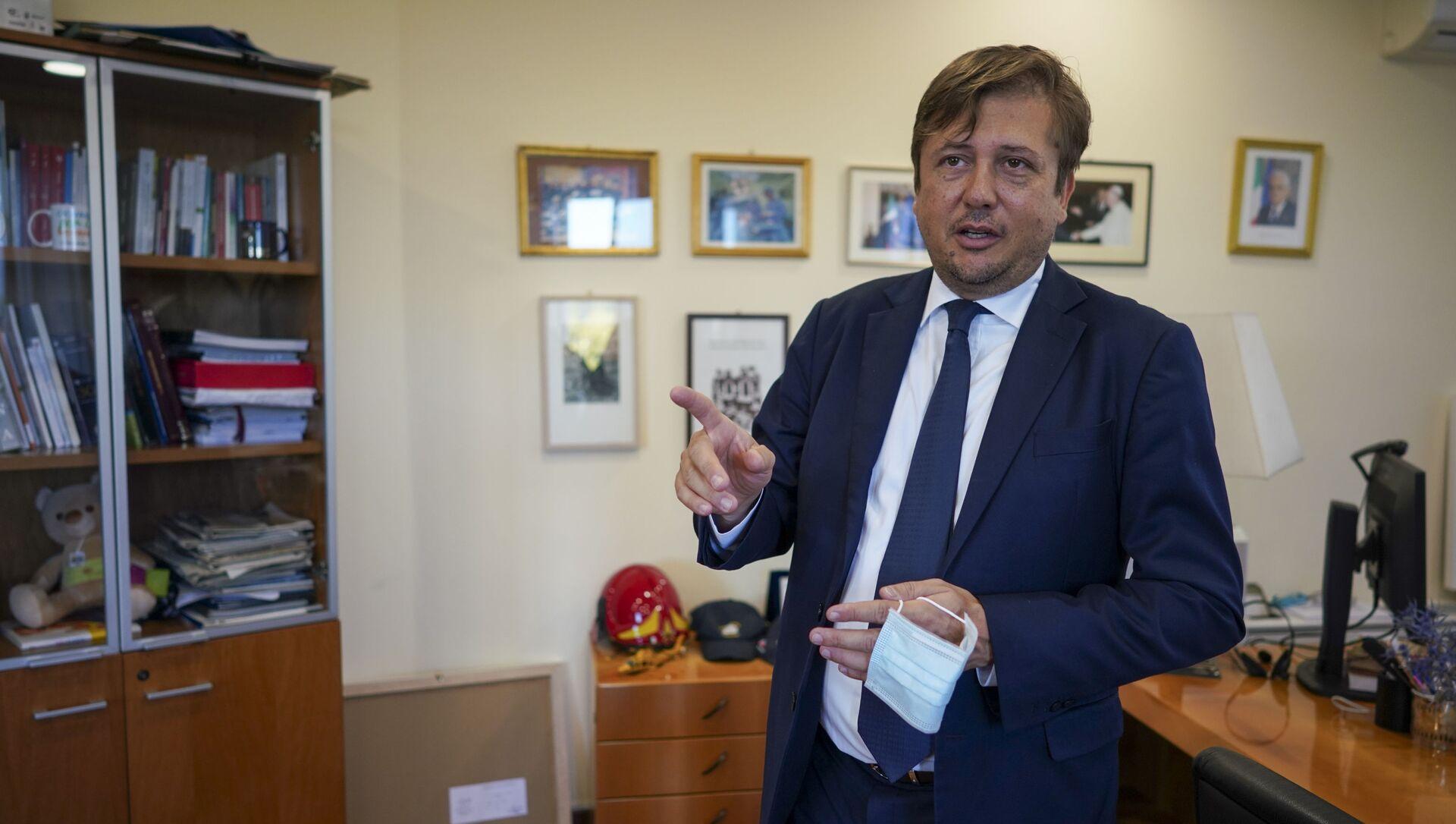 Covid, Sileri spezza una lancia a favore dei ristoranti: riaprire di pari passo con le vaccinazioni - Sputnik Italia, 1920, 02.02.2021