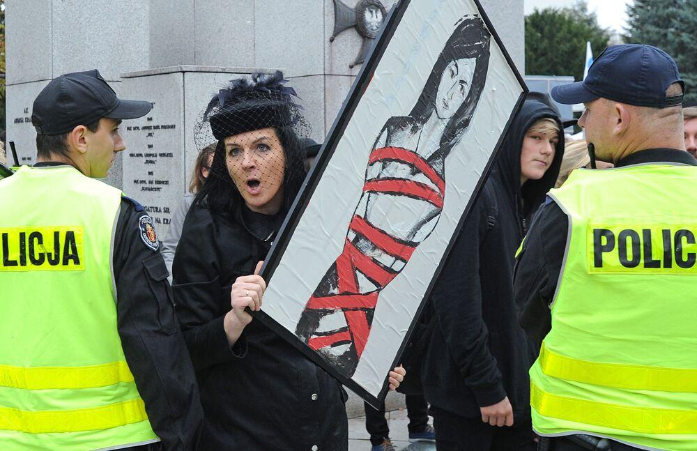 Proteste di massa per il divieto di aborto in Polonia, settembre 2020