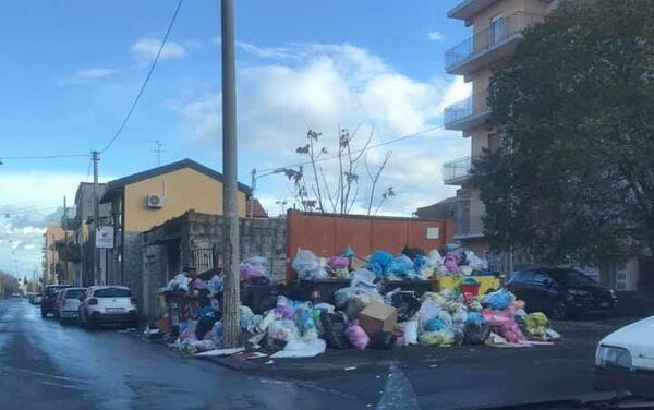 Emergenza rifiuti del week end - Sputnik Italia