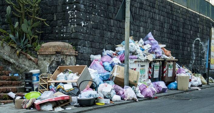 Emergenza rifiuti a San Cristofo