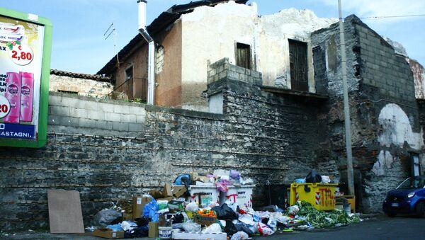 Emergenza rifiuti a San Cristoforo - Sputnik Italia