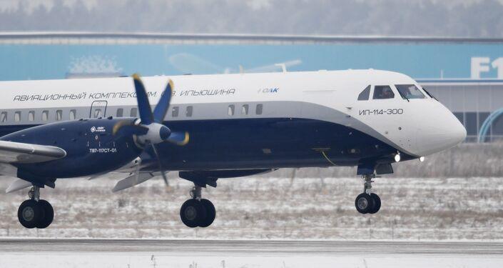 Il nuovo Il-114-300 decolla per la prima volta