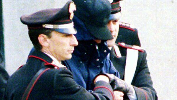 Donato Bilancia con agenti della polizia - Sputnik Italia