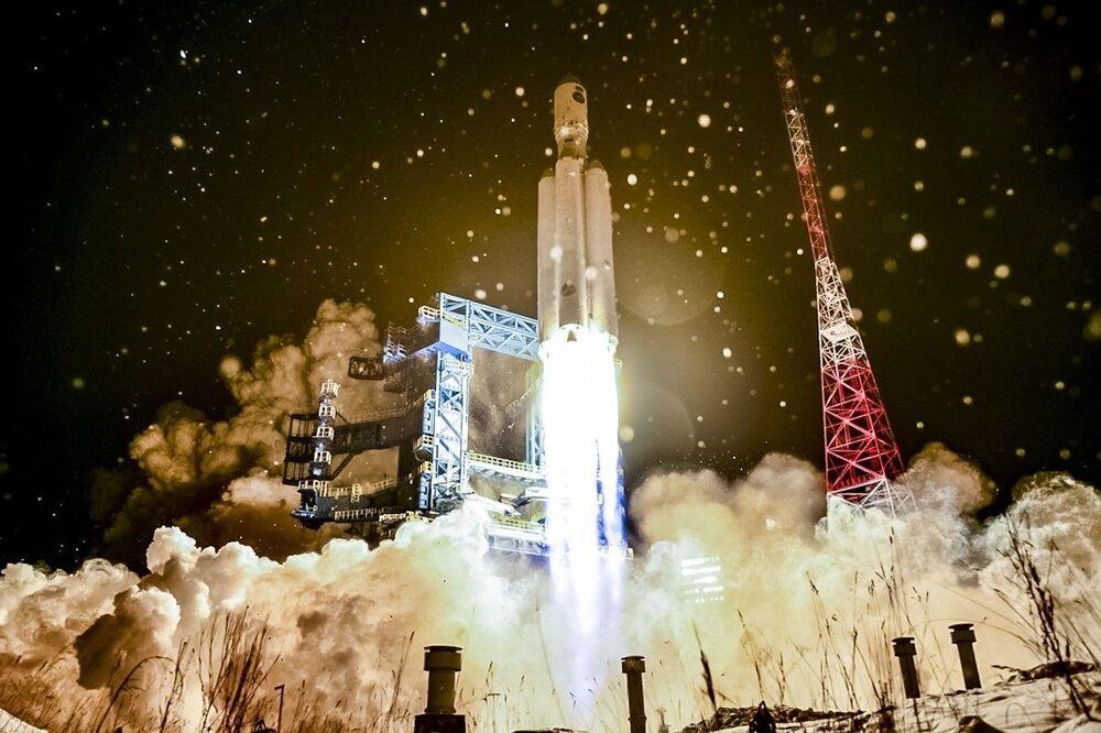 Il lancio di prova del razzo vettore di classe pesante Angara-A5 dal cosmodromo di Plesetsk, Russia, il 14 Dicembre 2020.