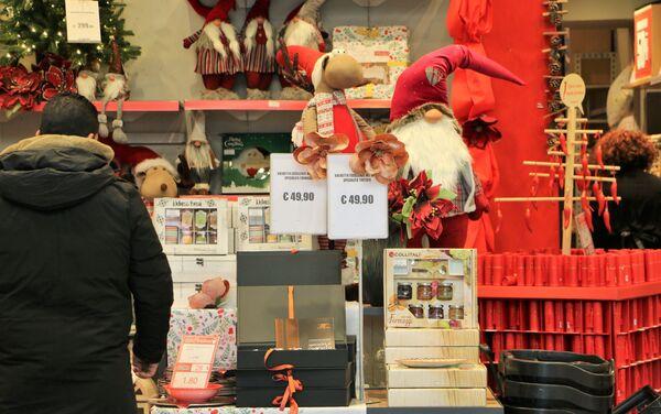 Negozio degli addobbi natalizi - Sputnik Italia