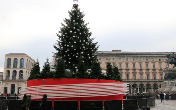 Un albero di Natale in una piazza - Sputnik Italia