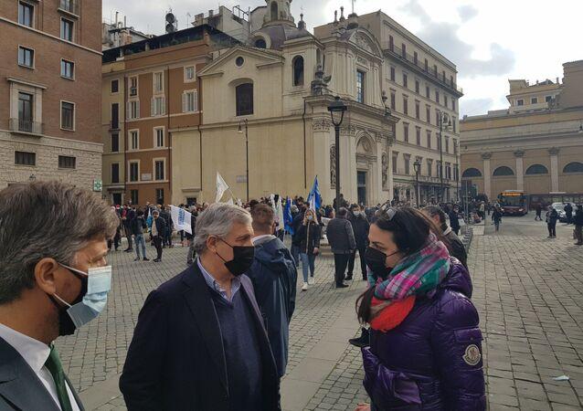 Ristoratori in crisi scendono in piazza a Roma