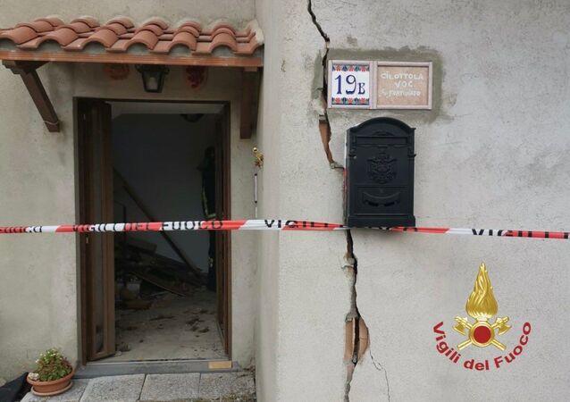 Esplosione alle 12:30 in un'abitazione per probabile fuga di gas in località Cibottolla