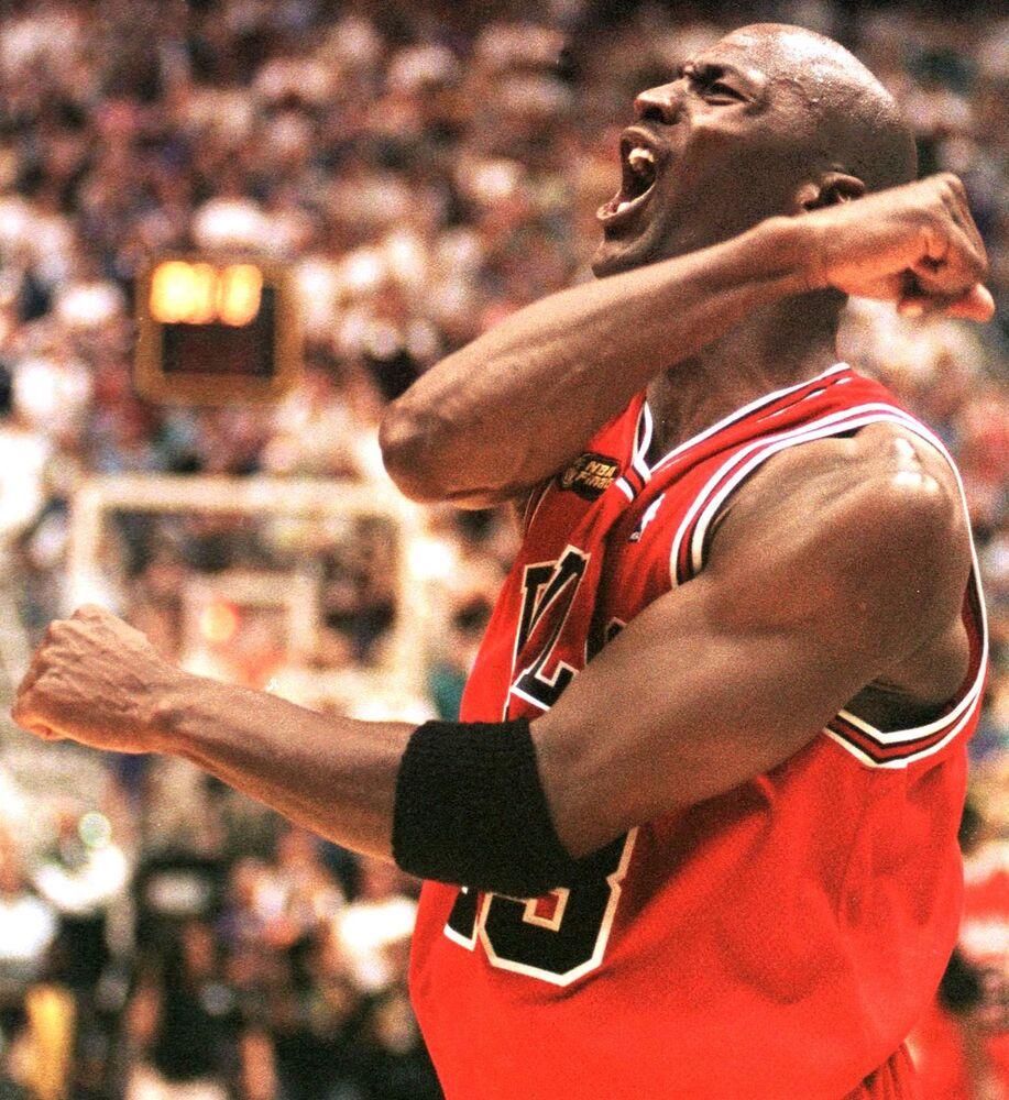 Michael Jordan dopo la vittoria nelle NBA Finals a Salt Lake City, Utah
