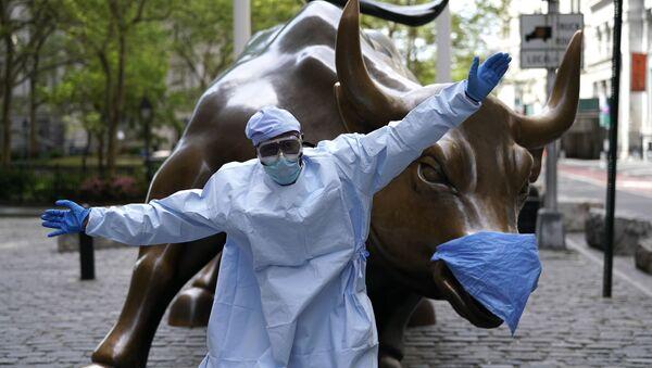 Статуя быка на Уолл-стрит, США - Sputnik Italia