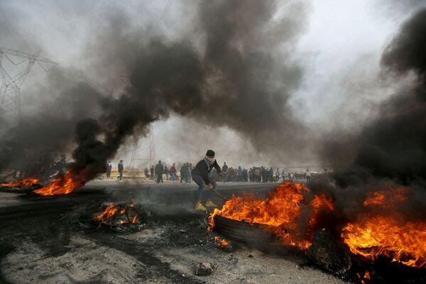 Proteste antigovernative a Bassora, in Iraq - Sputnik Italia