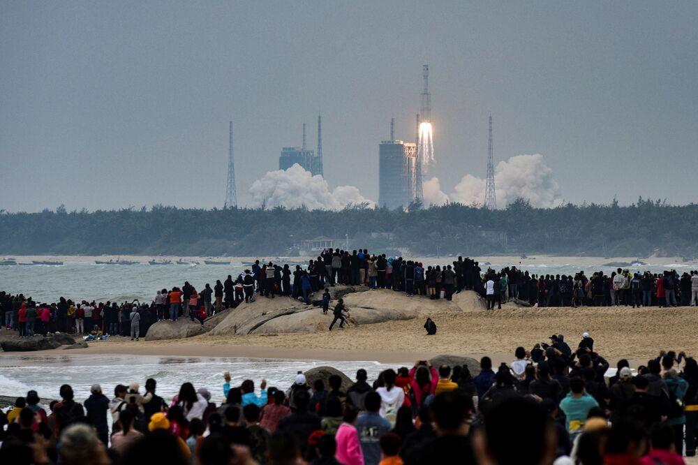 Lancio del razzo cinese Long March-8 dal cosmodromo di Wenchang nella provincia di Hainan, il 22 dicembre 2020